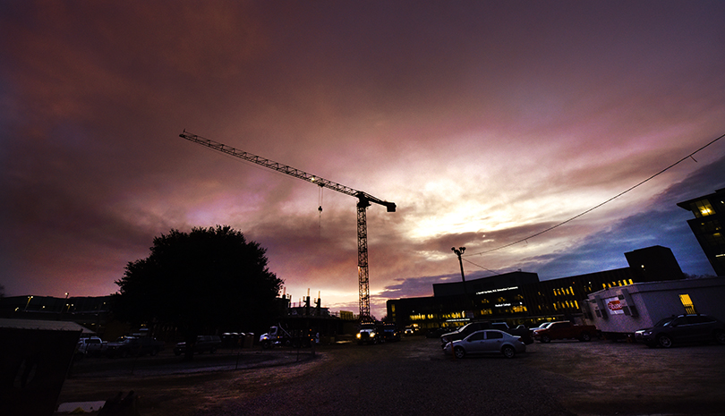 Tower crane at the College of Science and Mathematics Building site
